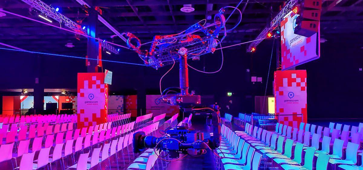 Newton stabilized head on spidercam light 3D cable cam Gamescom