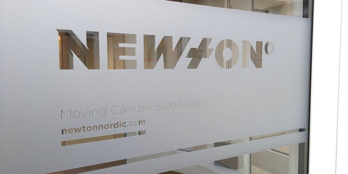 Newton Nordic door